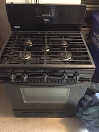 GAS range like new!  BETHESDA