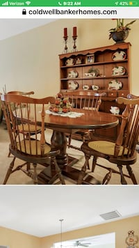 Wood round  Dining table and 6 chairs