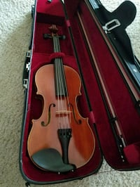 brown violin with bow in case League City, 77573