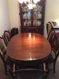 Cherry Dining table, 6 chairs Holbrook