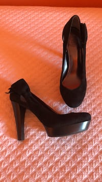 Jessica Simpson black suede pumps size  7.5 6 mi