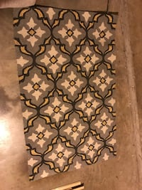 Gray, yellow and white pattern rug Fort Worth, 76177