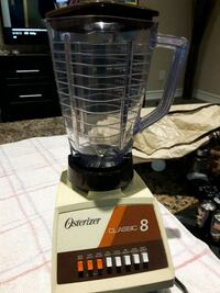 Blender like new with cover Toronto, M9C 2N2