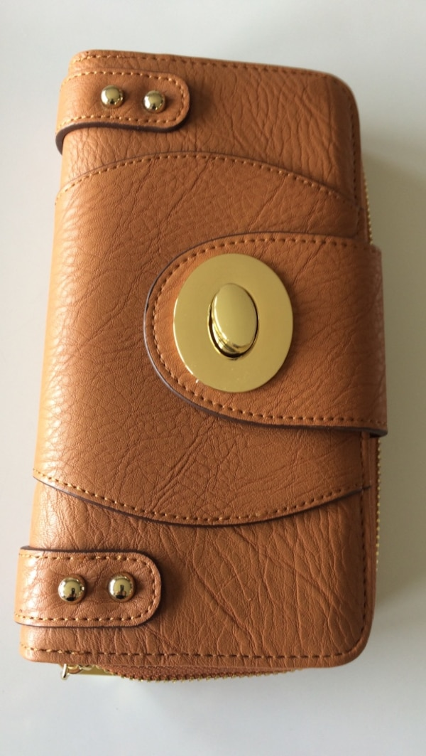 Wallet brand new carmel coloured faux leather  with gold accents 81fa1cb1-a2b7-480b-ad97-b6a8c09c5783