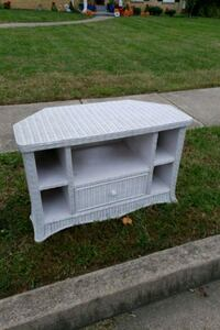 White Wicker 2 door TV stand Alexandria, 22308