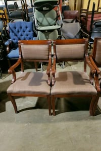 2 TRADITIONAL WOOD GUEST CHAIRS