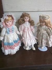 3 China dolls on stand$10 each Niagara Falls, L2E 3K9