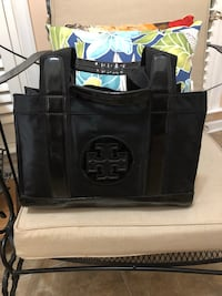 Tory Burch Black Tote ~ NEW Gainesville, 20155