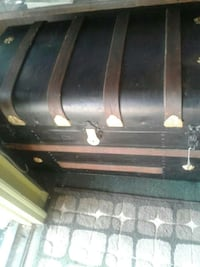 brown and black wooden chest box Kearneysville, 25430