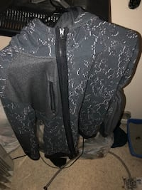 Brand new only wore once under armor jacket  Kingsport, 37663