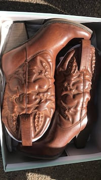 Never used cowboy boots