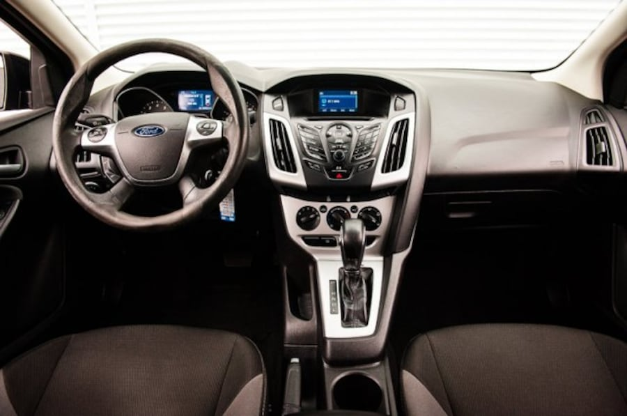 2014 Ford Focus SE / ACCIDENT FREE / LOW KM / CLOTH 1d61b80d-d72b-4dae-a069-95767dfb168b