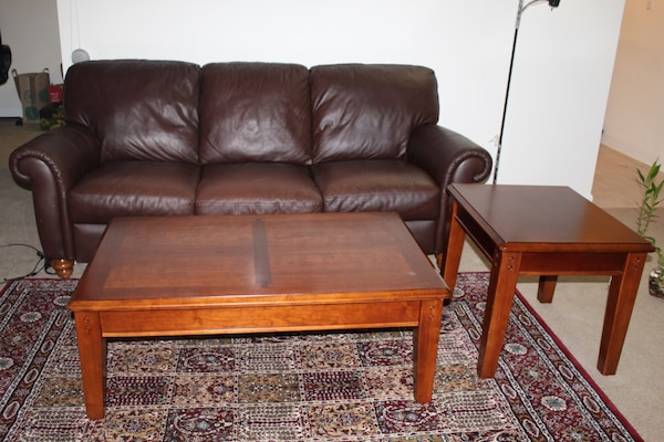 Coffee table and side table for sale.Must go before March 30.