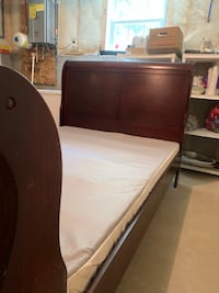 Full bed with box spring Haverhill, 01830