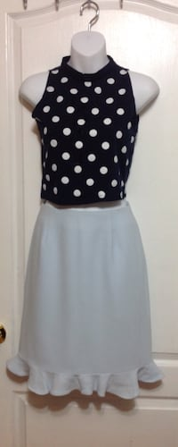 Light Blue Knee High Skirt: Size XS Toronto, M6G 4A1
