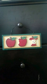 Wooden apple decor  Grand Junction, 81504