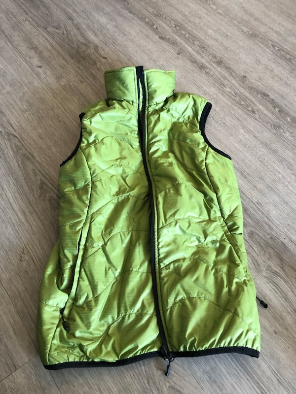 MEC Green zip-up vest c51501d7-8fce-4c60-be22-ea8106baac07