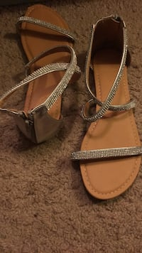 Pair of brown leather open-toe sandals Angwin, 94508