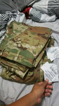 OCP Trousers Small Long Fort Belvoir, 22060