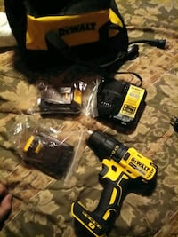 DeWalt drill driver with 2 batteries and charger with bag