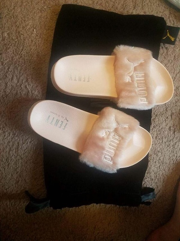 208d4f52294a Used white Puma Fenty house slippers for sale in New York - letgo