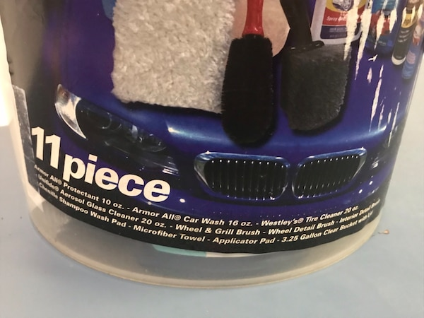 CleanRite Car Wash & Detailing Kit - 11 pieces - NEW in box!