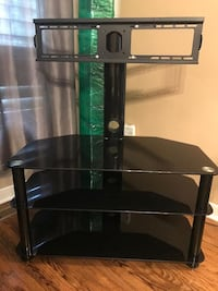 Black TV stand in great condition  Mississauga, L4Y 2X1