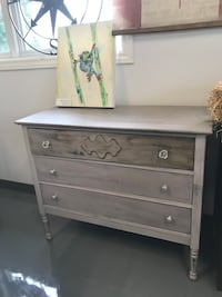 white wooden 3-drawer chest Southwold, N5P