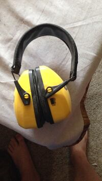Yellow and black safety gear null, V4V