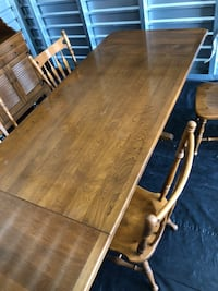 Ethan Allen Dining room table with chairs 2240 mi