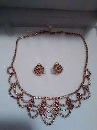 Gold plated necklace and earings Cambridge, N1R 7B7