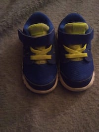 Size 5c Nike shoes  Milwaukee, 53209