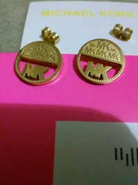 pair of round gold-colored Michael Kors jewelries Lyndhurst, 07071