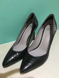 Johnston & Murphy size 8 Pumps!  Vancouver, V6J 2H2