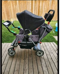 Double stroller in new condition  Calgary, T3J 2T2