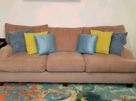 Sectional Sofa (Beige)
