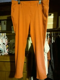 Size 2x red pants. Excellent condition Bakersfield, 93308