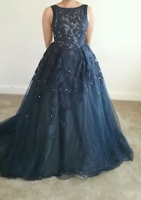 Size 8 Princess Ball Gown Navy Blue with Sparkles  Glen Burnie, 21061