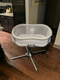 baby's white and gray bassinet Woodbridge, 22191
