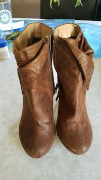 pair of brown leather boots Renton