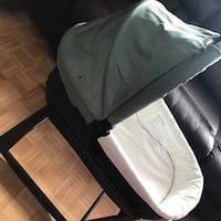 UPPAbaby  bassinet with stand base 2010 model serious buyer please and is pick up only Mississauga, L5B 0E1