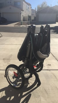 Baby's black and gray jogging stroller