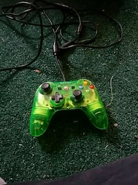 green and black Xbox One controller Springfield, 45504