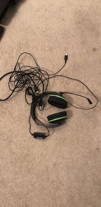 black and green corded headsets Corona, 92881