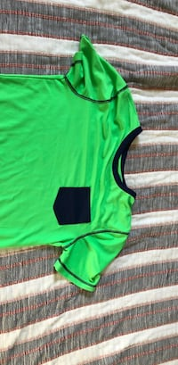 Green swim shirt (XL) Kaysville, 84037