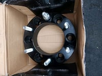 A pair of wheel spacer 6bolts