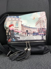 Purse scene of London