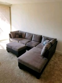 Brand New Grey Microfiber Sectional Sofa +Ottoman  40 km