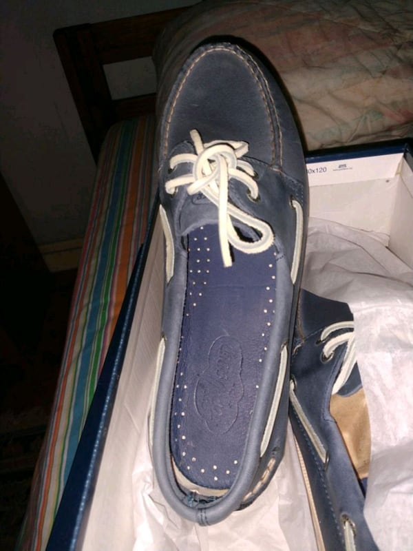 Top- Sider Sperry new in box. Size 11M . Asking 60 76fe3f85-ee84-4228-b7fe-c115550ec7de