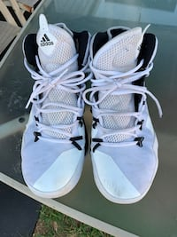Adidas basketball shoes Avenel, 07001